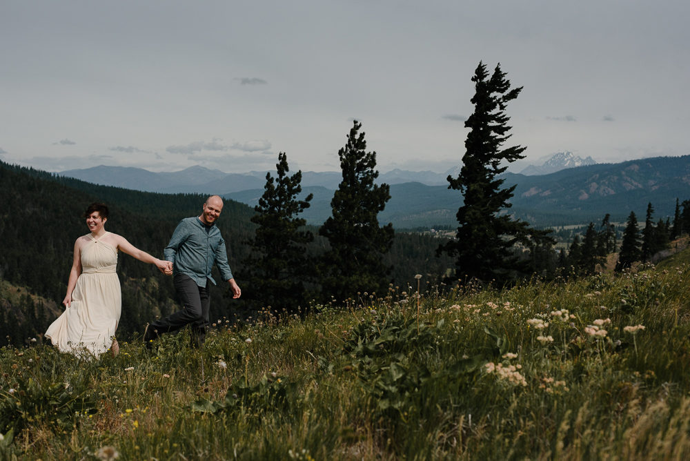 bride and groom getting married on a hilltop in Washington near Seattle